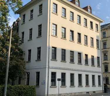 // Großzügige 3Raum-Wohnung im Zentrum-Nordwest mit Terrasse//