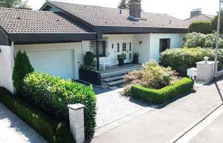Traumhaftes Einfamilienhaus mit Parkgrundstück in Blicklage und Einliegerwohnung
