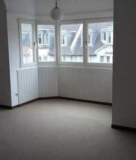 Zentral gelegene schicke 1-Zimmer-Wohnung für Wochenendpendler in Bonn-Poppelsdorf!