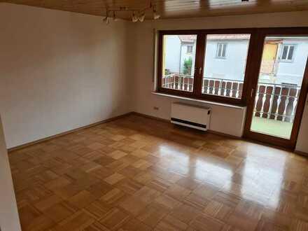 990.0€ - 105.0m² - 3.0 Zi. Charmantes Reihenendhaus mit Garage, Terrasse und Balkon in ruhiger Lage