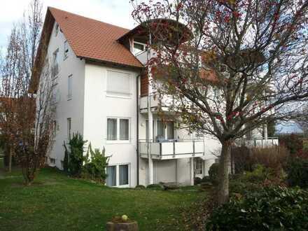 sonnige Wohnung mit vier Zimmern und Balkon in Bondorf