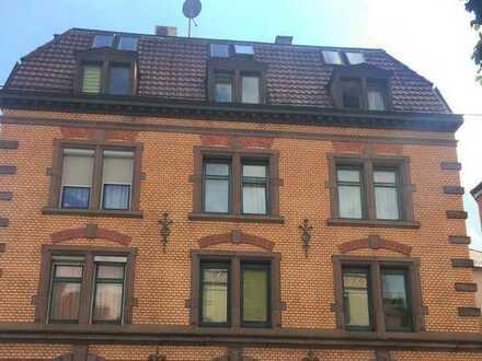 Charmante 3 Zimmer Altbau- Wohnung in Stuttgart- Süd