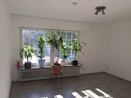 Vollständig renovierte 1-Zimmer-Erdgeschosswohnung mit EBK in Dortmund