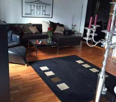 Gepflegte 3-Zimmer-Maisonette-Wohnung mit 2 Balkon, EBK und 2 TG-SP in Mainz