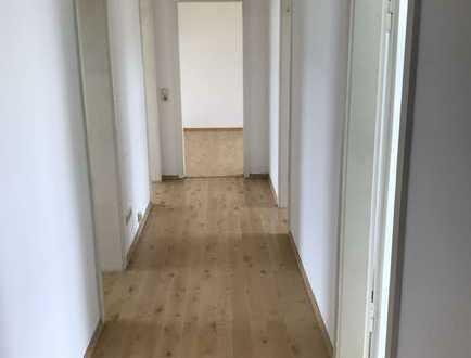 Lichtdurchflutete 4-ZKB-Wohnung mit Balkon in der Mainzer Neustadt