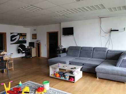 Gepflegte 2-Raum-Loft-Wohnung 165m², mit Balkon in Trossingen