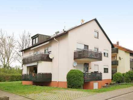 Schöne 3-Zimmer-Wohnung mit zwei Balkonen und Carport