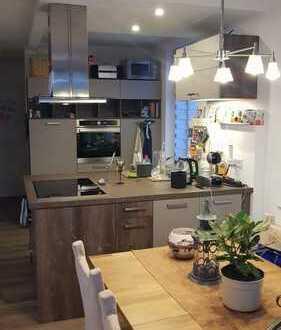 Wohntraum mit Sonnenbalkon und EBK! Sehr schöne 3-Zi.–Whg. mit 70m² in Sonneberg - citynah!