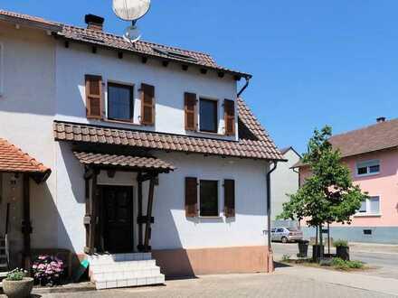 Viel bekommen - wenig bezahlen! Sofort verfügbares Haus in Rußheim