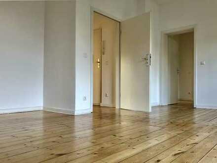 Schöne, helle und ruhige 3-Zimmer-Wohnung in Berlin-Weißensee, Wohnküche, Balkon, Dielenboden 3.OG
