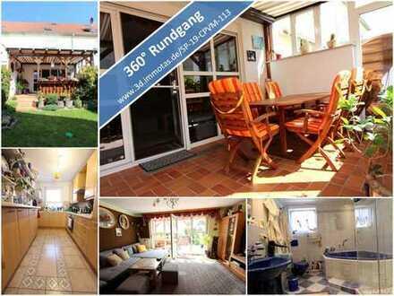 Attraktives Reihenmittelhaus mit drei Schlafzimmern und zwei Bädern - Terrasse, Garten und Garage