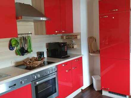 Freundliche, neuwertige 3-Zimmer-DG-Wohnung in Gersdorf