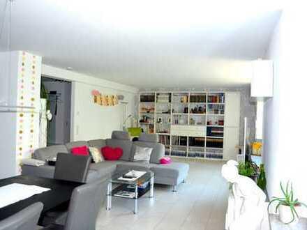 Schöne, moderne und großzügig geschnittene 4,5 Zimmer Wohnung in ruhiger Innenstadtlage