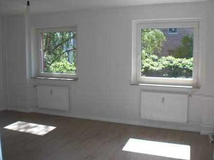 Erstbezug nach Modernisierung - schöne 3-Zi.-Whg. mit Balkon in perfekter Lage
