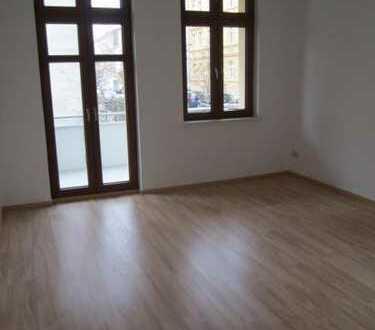Sanierter Altbau: 2-Zimmer-Wohnung mit Balkon und Einbauküche in der Fleischervorstadt