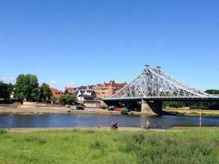 *price significantly lowered* Penthouse at the Elbe riverside with lift and sauna