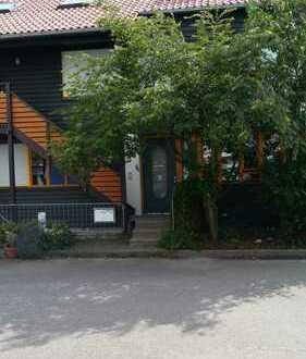 Stilvolle, gepflegte 2-Zimmer-EG-Wohnung mit EBK in Steinenbronn