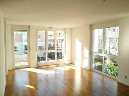 moderne helle 4-Zimmer-Wohnung mit EBK, 2 WC&Bad und Balkon +++ für mind. 2 Jahre +++