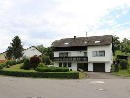 Provisionsfrei: Schönes gepflegtes 2 Familienhaus mit sieben Zimmern in Rottweil (Kreis), Aichhalden