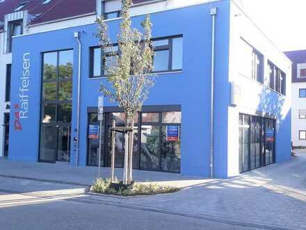 Ladengeschäft direkt neben Bäcker und Metzger im Neubau in Altdorf-Zentrum