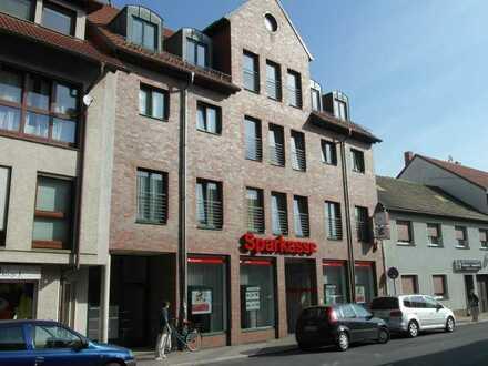 Attraktive 5-Zimmer-Wohnung mit 2 Bädern und Galerie auf 2 Ebenen sowie Balkon im Zentrum Zörbigs