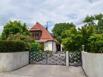 2 Doppelhaushälften,  gesamt oder geteilt,  Top-Lage für M-Pendler, auf 1.093 m² Grund