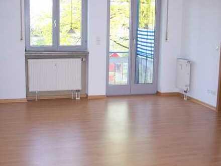 3-Zimmer Wohnung in Alt- Poing mit Garage und Keller (von Privat!)