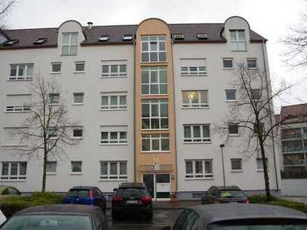 Schicke, zentral- und ruhig gelegene Erdgeschosswohnung mit Terrasse und Garten