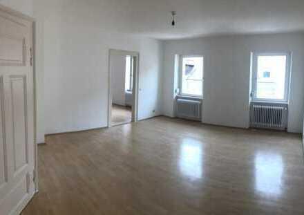 Lichtdurchflutete 5-Zimmer-Wohnung in toller Südstadtlage