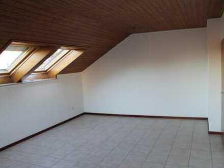 Schöne DG-Wohnung im Herzen von Neukirchen