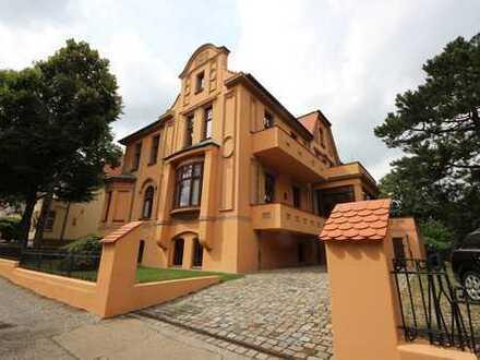 2-Zi. Altbauwohnung mit Balkon, Parkett und Stuck in historischer Villa im Lenneviertel MD