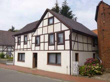 BODEM IMMOBILIEN: Verkauf eines historischen Fachwerkhauses in Bodenwerder / Kemnade