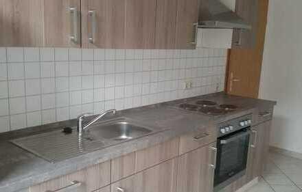 Mit moderner Küche !