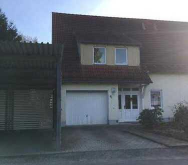 Doppelhaushälfte als Niedrigenergiehaus in bester Wohnlage von Plauen zu vermieten