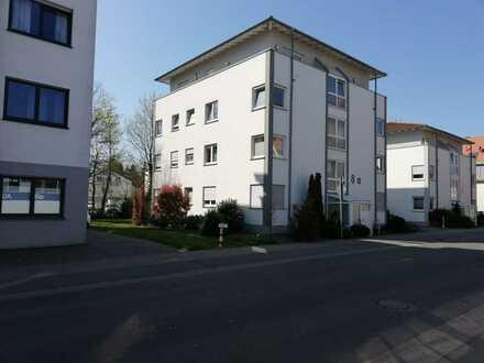 Gepflegte 3-Zimmer-Wohnung mit Balkon und Einbauküche in Landau in der Pfalz