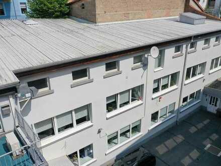 Modernisiertes und großflächiges Bürogebäude in Innenstadtlage