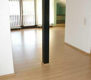 Stilvolle großzügige Dachgeschosswohnung, Loggia, toller Odenwaldblick