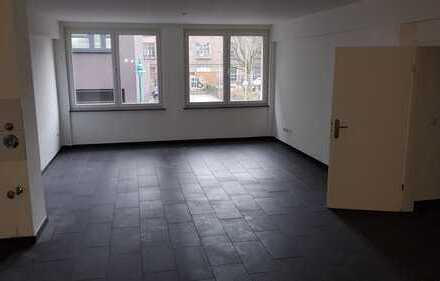 moderne 4 Zimmerwohnung mit Terasse