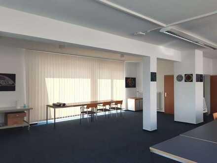 Bürogebäude 2-geschossig 400qm mit Lagerhalle 200qm & Lagerfläche ab Jan '22