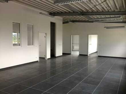 Helle und moderne Büro-Etage im Industriegebiet Wörth