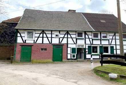 Landwirtschaftliches Anwesen mit Sanierungsbedarf in Wuppertal-Beyenburg
