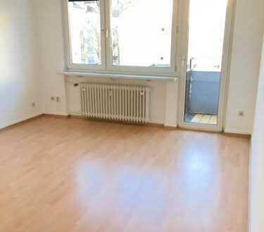 Erstbezug nach Sanierung 2 Zi. Wohnung hell, BLK,Wannenbad und EBK im Nordend nahe Friedberger Platz