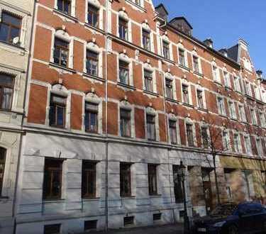 Zauberhafte DG-Wohnung mit Balkon sucht Kapitalanleger ... 6 % Rendite!