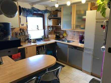 Vollständig renovierte 4-Zimmer-Wohnung mit Balkon(Westseite) und EBK in Erding
