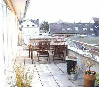 moderne hochwertige 3-Zimmer-DG-Wohnung mit Terrasse und Aufzug