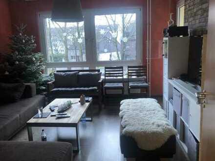 Helle und gutgeschnittene 3-Zimmer-Wohnung mit Balkon in Duisburg