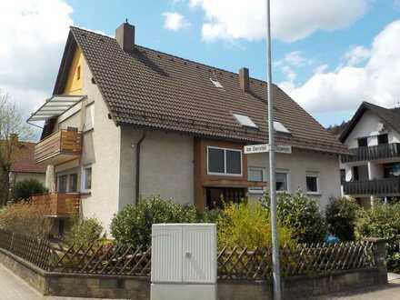 Gut geschnittene Dachgeschosswohnung in Dahn (Südwestpfalz), 4 Zimmer auf 100m², Kaltmiete 720€