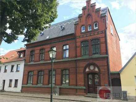 Wohn-und Geschäftshaus im Stadtzentrum von Franzburg