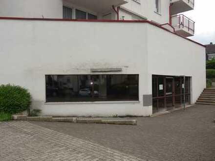 Ladenlokal, 914qm, mit Aufzug, Lagerräumen und PKW-Stellplätzen in zentraler Lage Dönberg...