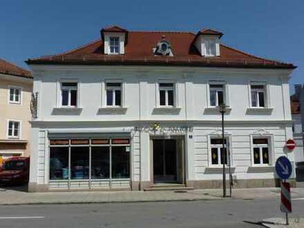 Denkmalgeschützte Stadtvilla mit Gewerbefläche, Einliegerwohnung u. Nebengebäude im Zentrum
